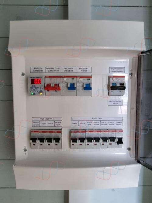 Электрощит на 12 линий нагрузки для летнего домика